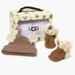 Ugg Genuine Shearling Trim Hat & Booties Gift Set